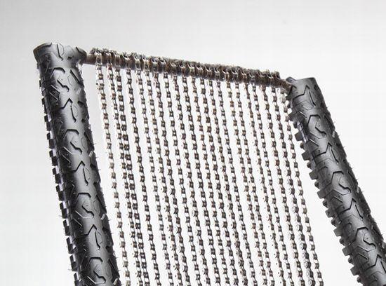 bike wheel and chain chair 02