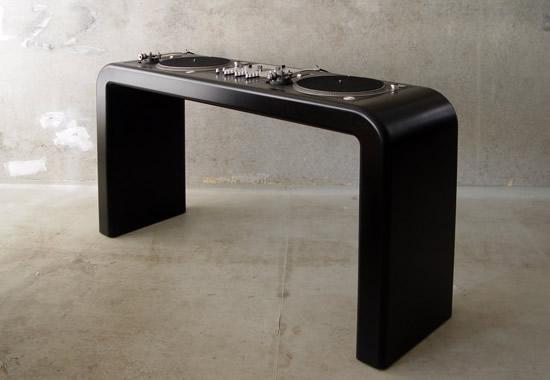 black wooden dj desk btnmG 5784