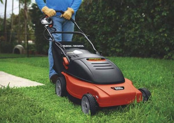 Black & Decker cordless electric mowers