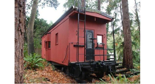 Davidson's 1949 Railroad Caboose