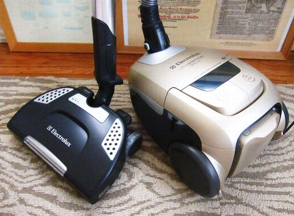 Electrolux UltraSilencer Delux EL7066