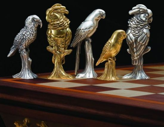 endangered parrots of the world chess set 02