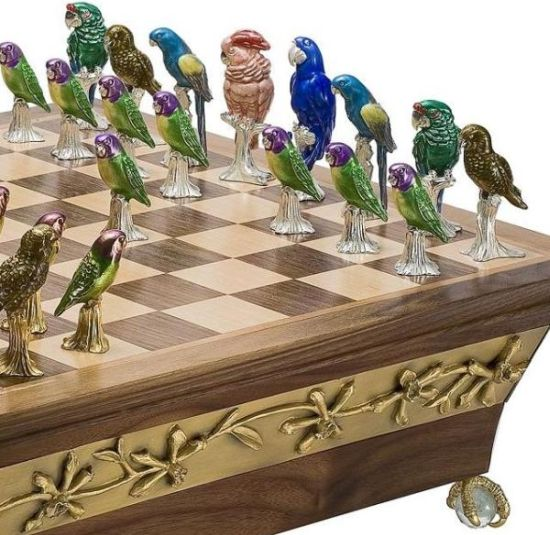 endangered parrots of the world chess set 03