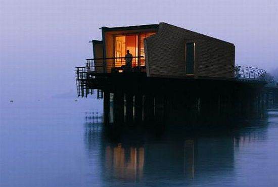 floating hotel in switzerland oNJMb 5965