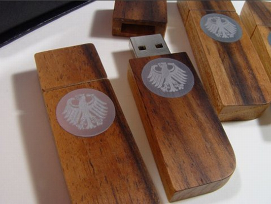 Hand Crafted Flash Drive Brings Back Tradition