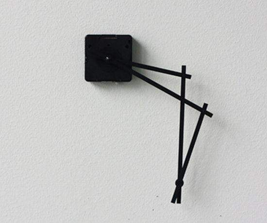 hand in hand clock 09