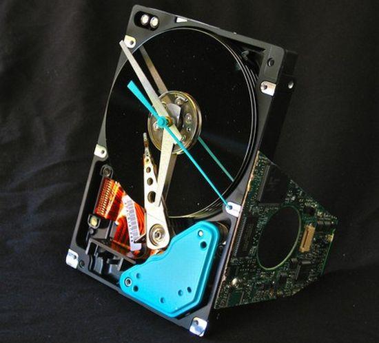 hard drive desk clock 01