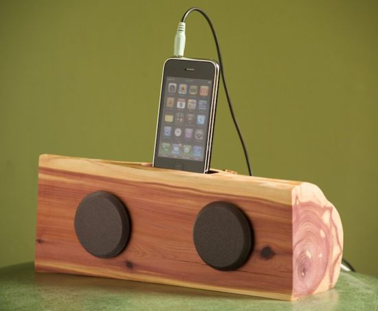 iphone ipod dock with speakers 01