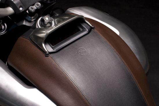 leather vmax bike3