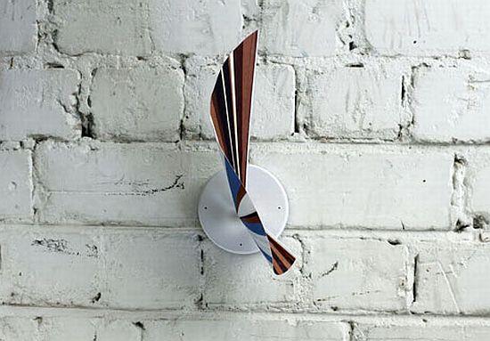 manifold clock 04