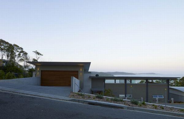 Modern Beach House by Bourne Blue