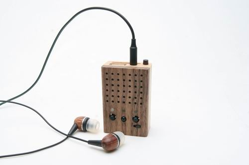 motz tiny wooden power speaker 06