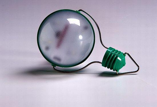 nokero n200 solar powered light bulb  03