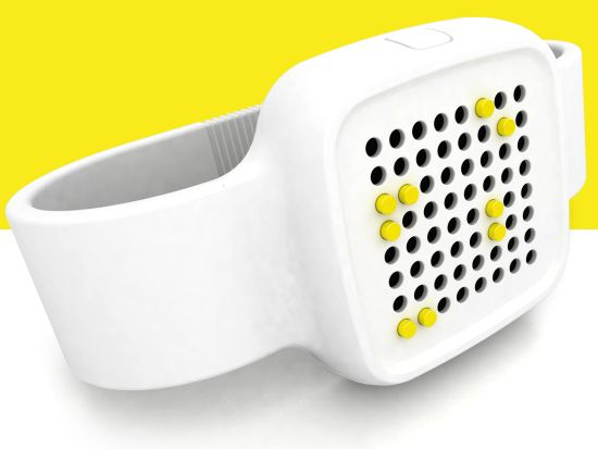oosh a braille watch 02