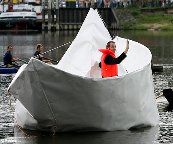 поделка лодка из бумаги фото
