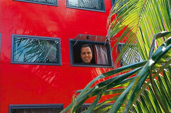 rolling hotel tour bus 07