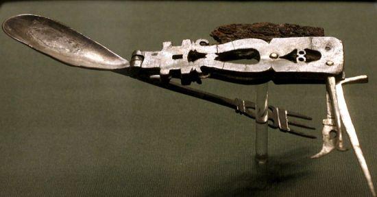 The World S First Swiss Army Knife Designbuzz