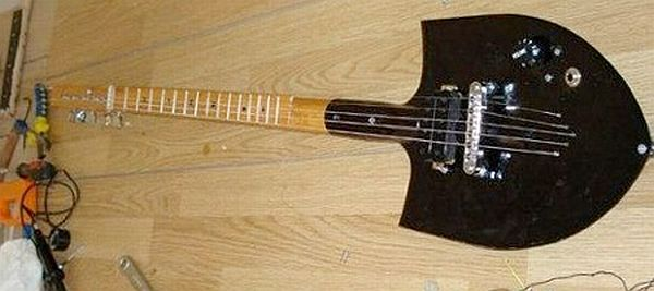 Shovel guitar