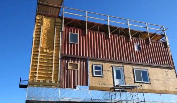 Solar Powered Sea-Can House