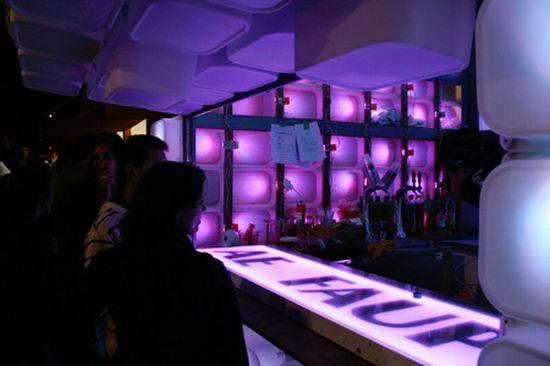 temporary bar 02