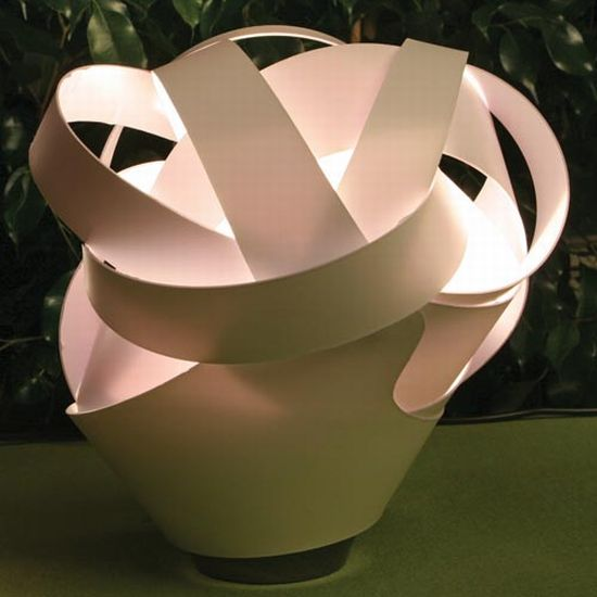 the laszlo table lamp