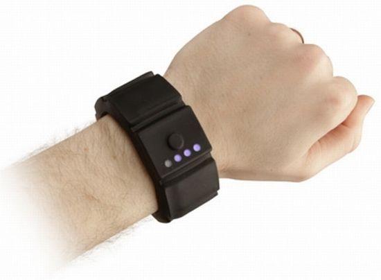 universal gadget wrist charger 03