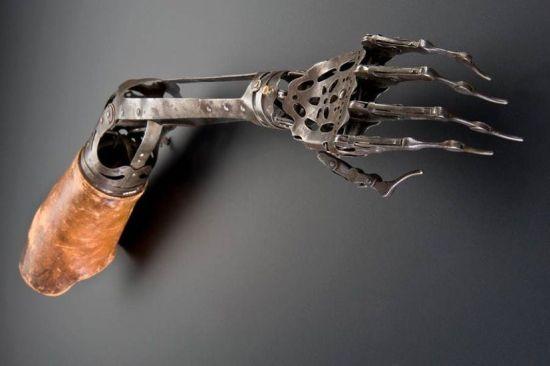 victorian prosthetic arm 1