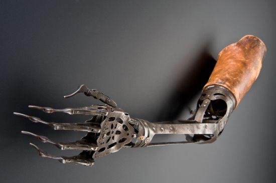 victorian prosthetic arm 4