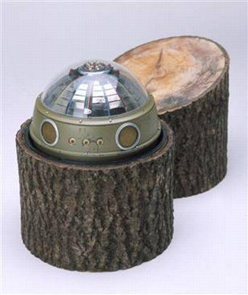 Ten-trickiest-spy-gadgets-ever-9-Tree-stump-bug