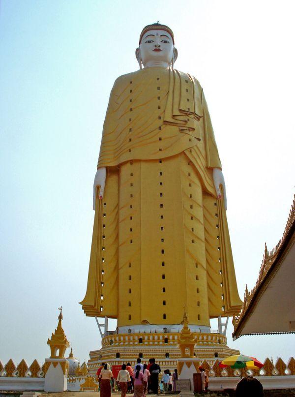 Laykyun-Setkyar-Standing-Buddha-MonywaMyanmar