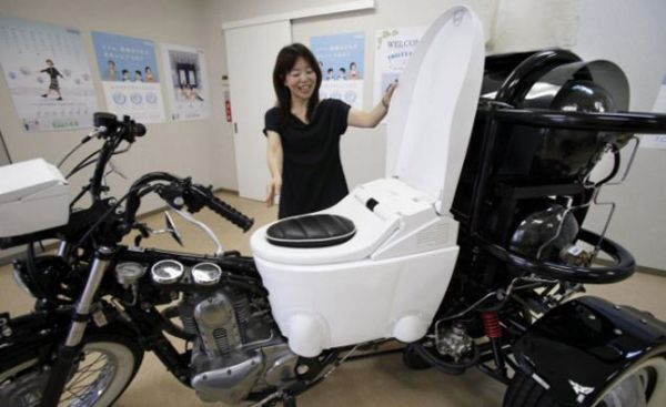 toto-poo-powered-motorcycle