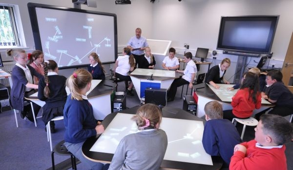 classroom-of-the-future-multitouch-desk-synergynet-4