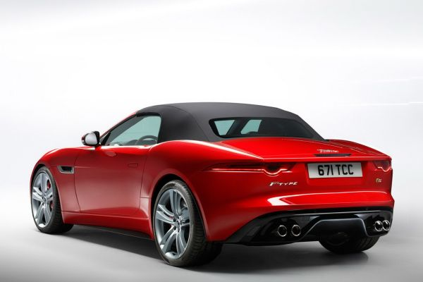2013-Jaguar-F-Type-25