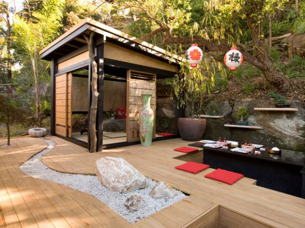 DP_Durie-japanese-outdoor-dining-area_s4x3