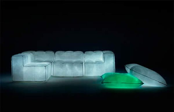 sofa_Via-Lattea-Glowing-Air-filled-Furniture-1_uphaa_com
