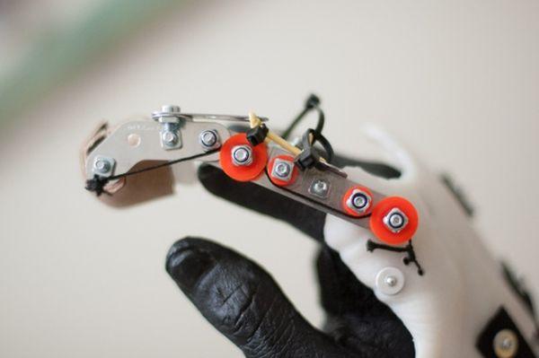DIY-prosthetic-fingers-2
