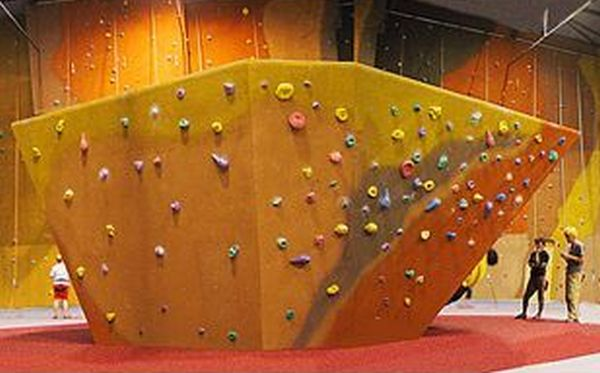 Coolest-Climbing-Walls-around-the-World-5