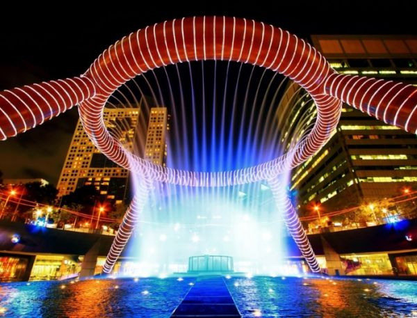 Fountain-of-Wealth,-Suntec,-Singapore