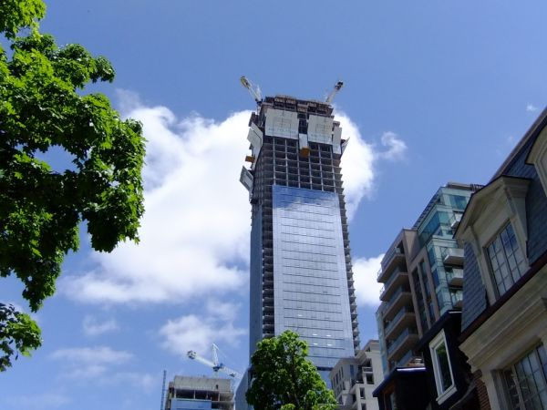 Four-Seasons-Private-Residences-Penthouse-50-Yorkville-Avenue-Yorkville-Toronto-Condominiums-Victoria-Boscariol-Avant-Garde-Real-Estate2
