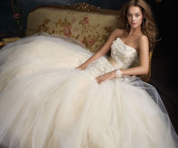 ball-gown-wedding-dresses-08