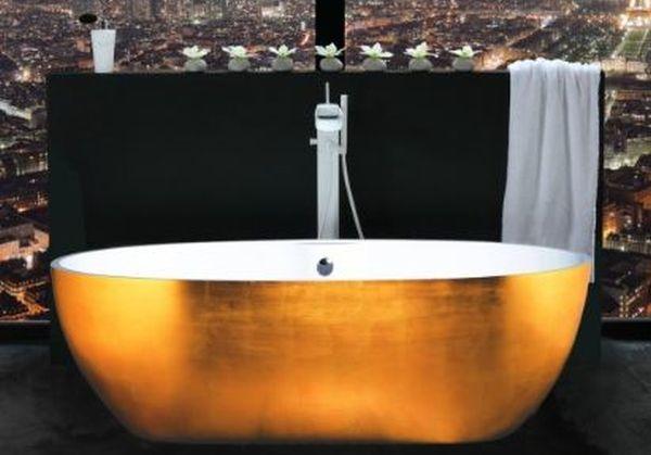 golden-bathtub-view