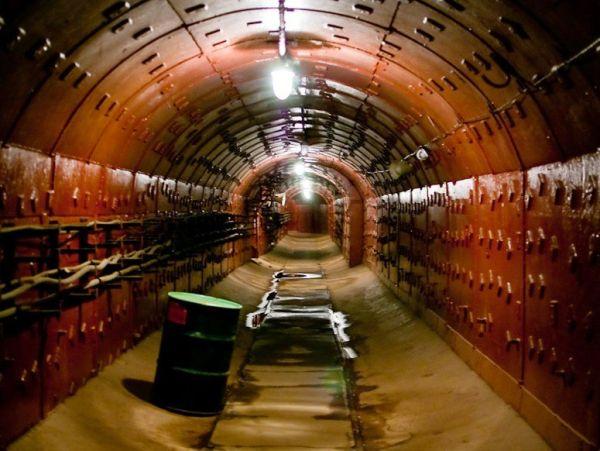 item5.rendition.slideshowWideHorizontal.bunker-42-taganka-moscow-russia
