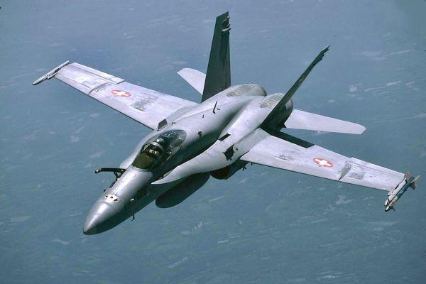 F18 J5006 en rejointe M
