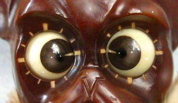Eyes Clock has rolling eyes