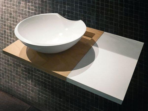 Plugless Sink by Maja Gnaszyniec
