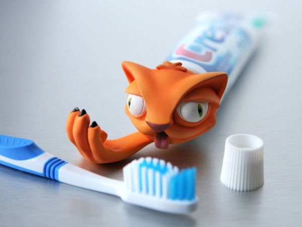 Pete Toothpaste Dispenser