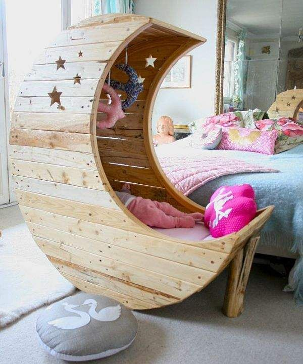 Sweet Moon Crib
