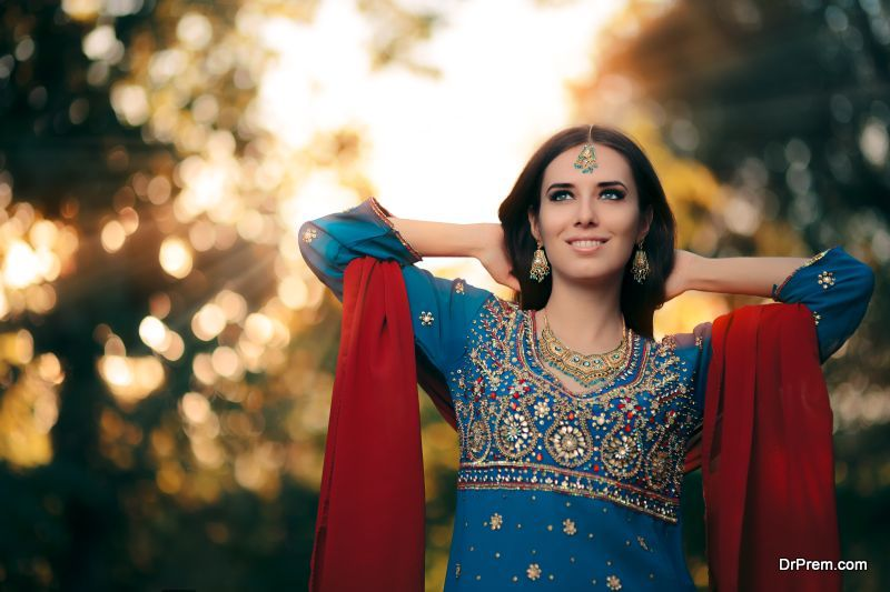 Seasonal-Salwar-Kameez-Trends