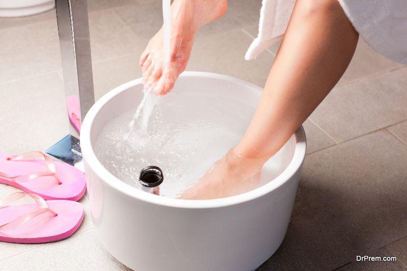 A-foot-tub-or-steamer