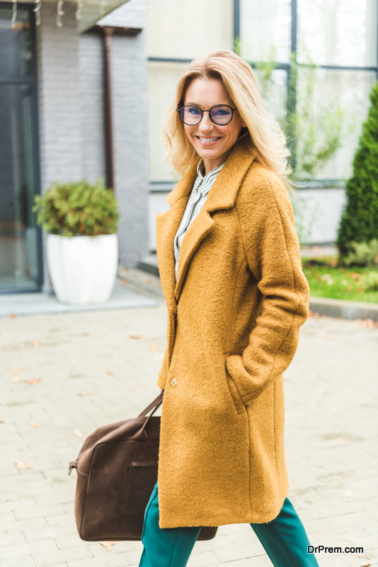 women who love overcoats